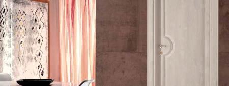 Porta classica in legno massello lamellare di Alder finitura effetto Acero